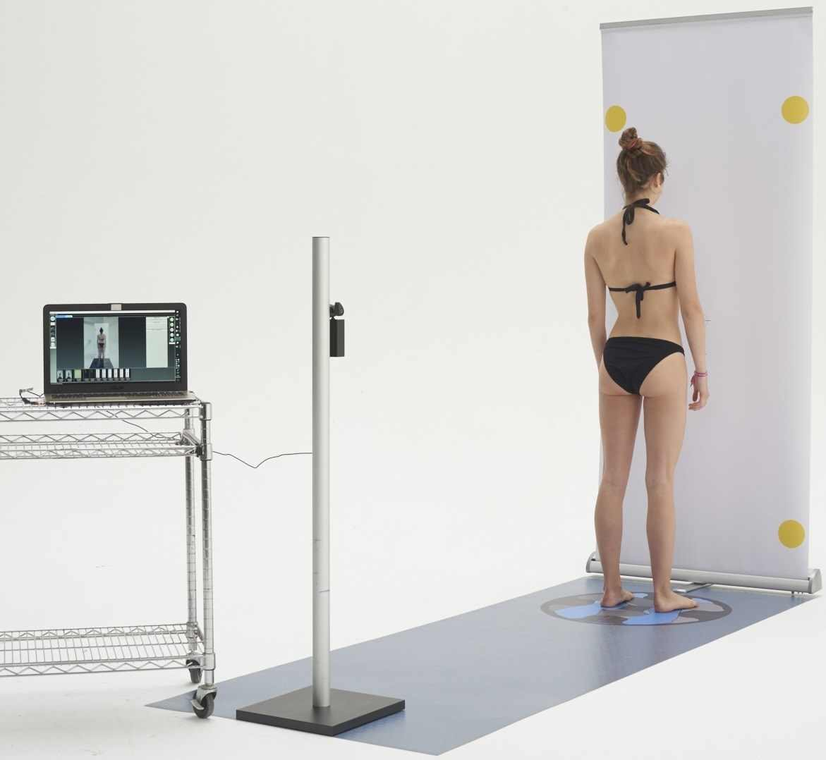 Physical Analyzer portatile con paziente e carrello PC